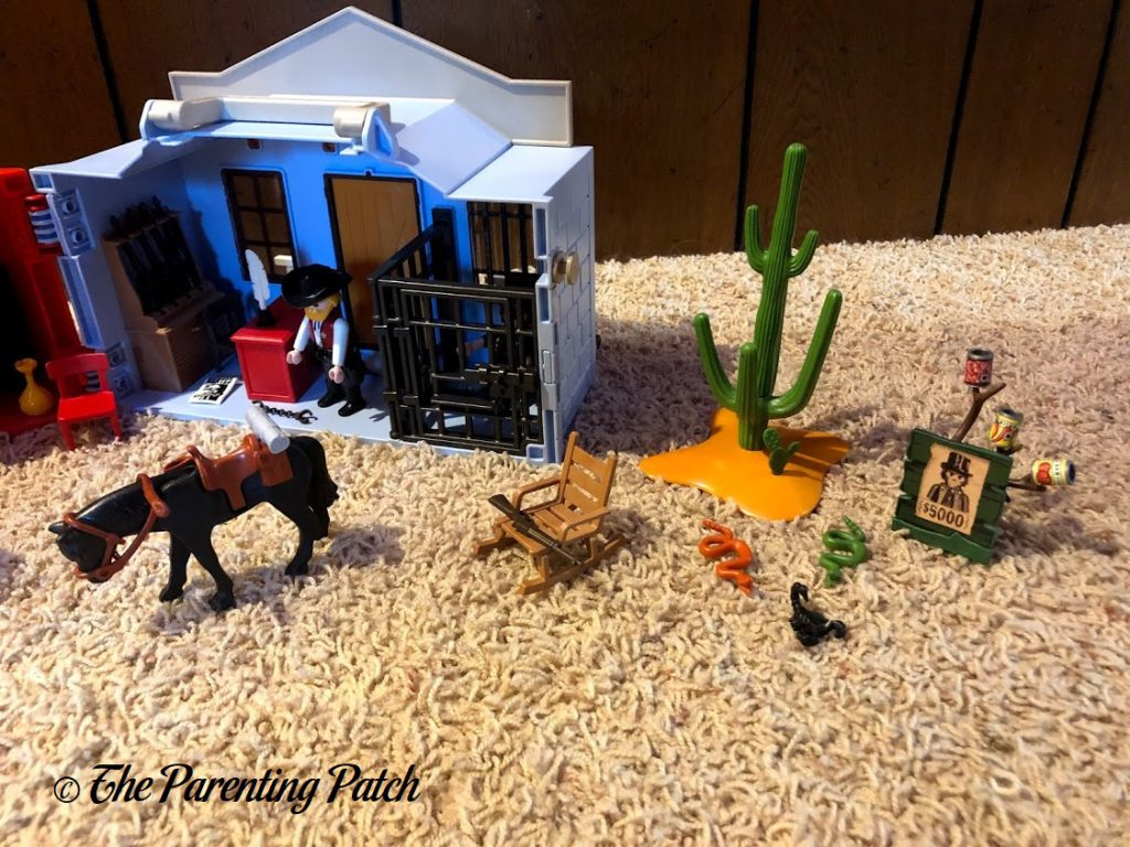 Assembled the PLAYMOBIL Take Along Western City 4