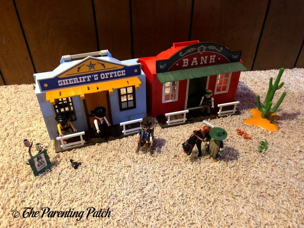 Assembled the PLAYMOBIL Take Along Western City 1