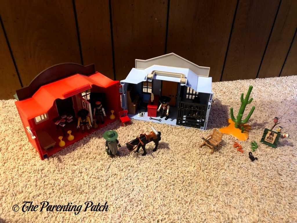 Assembled the PLAYMOBIL Take Along Western City 2