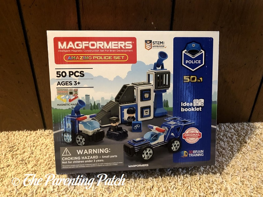 Front of Magformers AMAZING Police Set Box