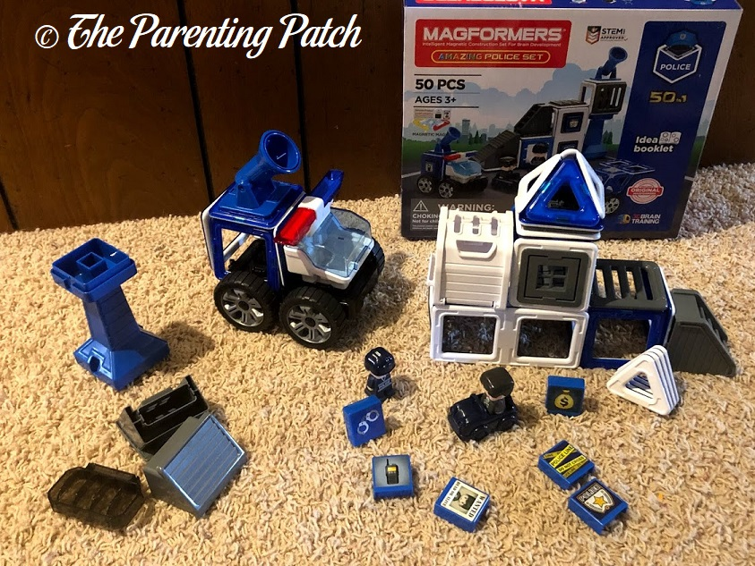 Pieces of the Magformers AMAZING Police Set